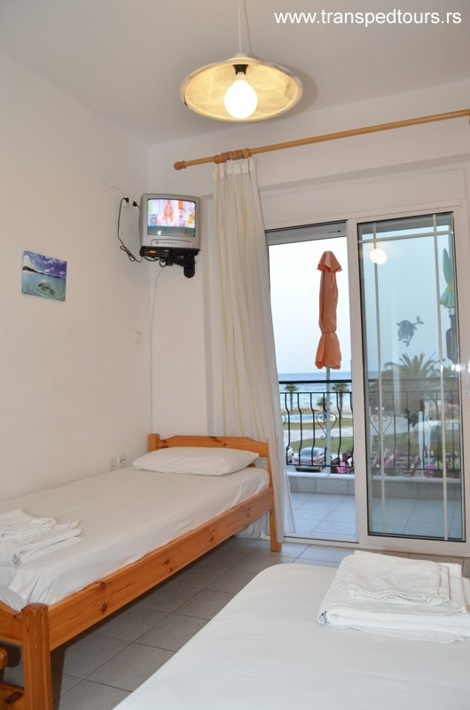 Apartmani Bouzalis Nea Flogita pogled more 13