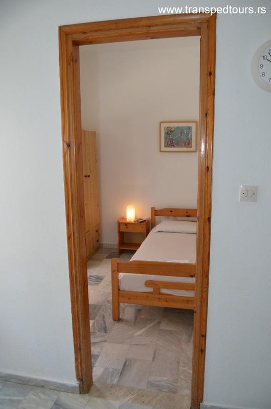 Apartmani Bouzalis Nea Flogita